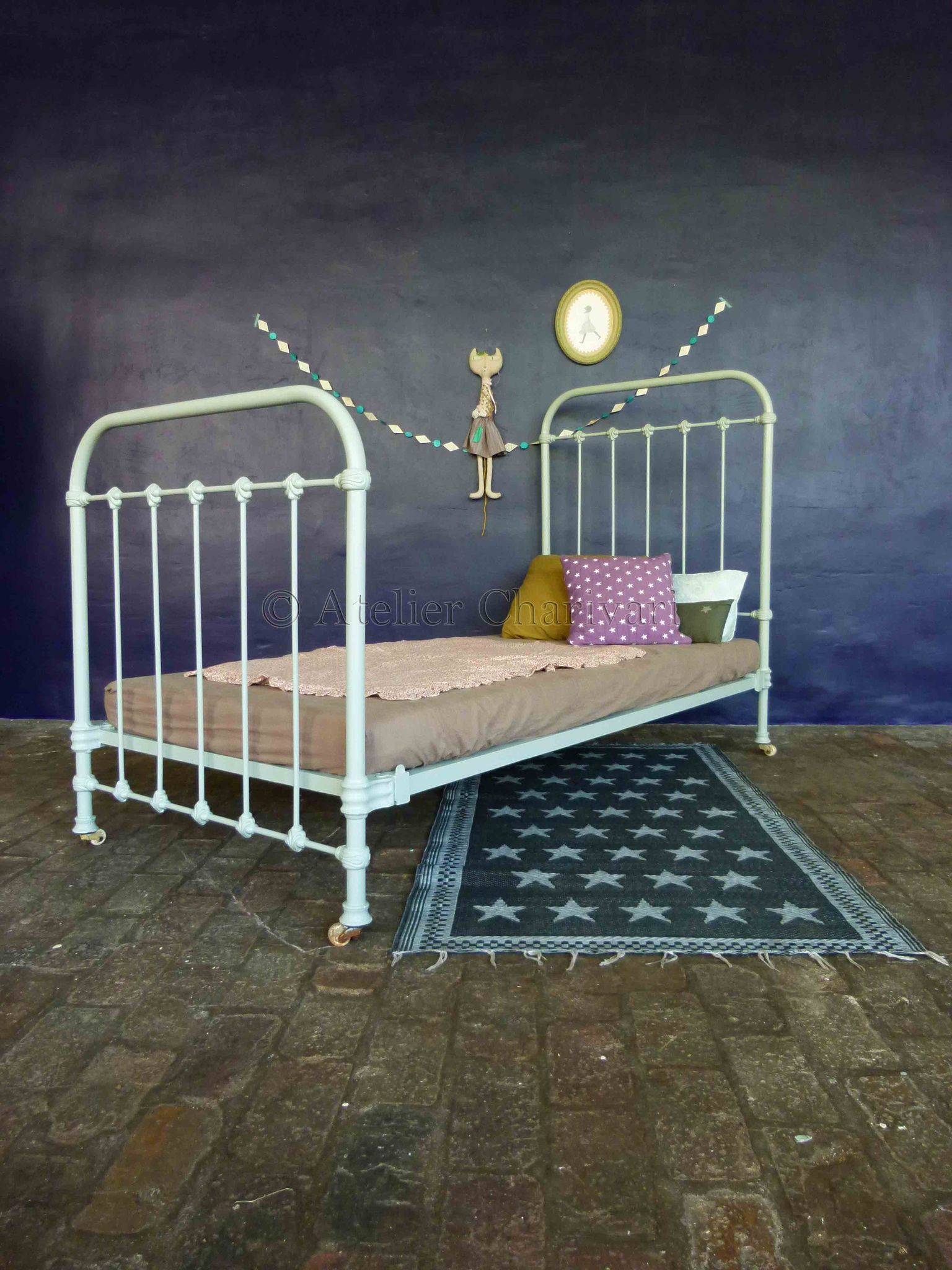 Relooker Un Lit Ancien Roulettes De Lit Ancien Deco Int Old Beds Bed Et Kids Furniture