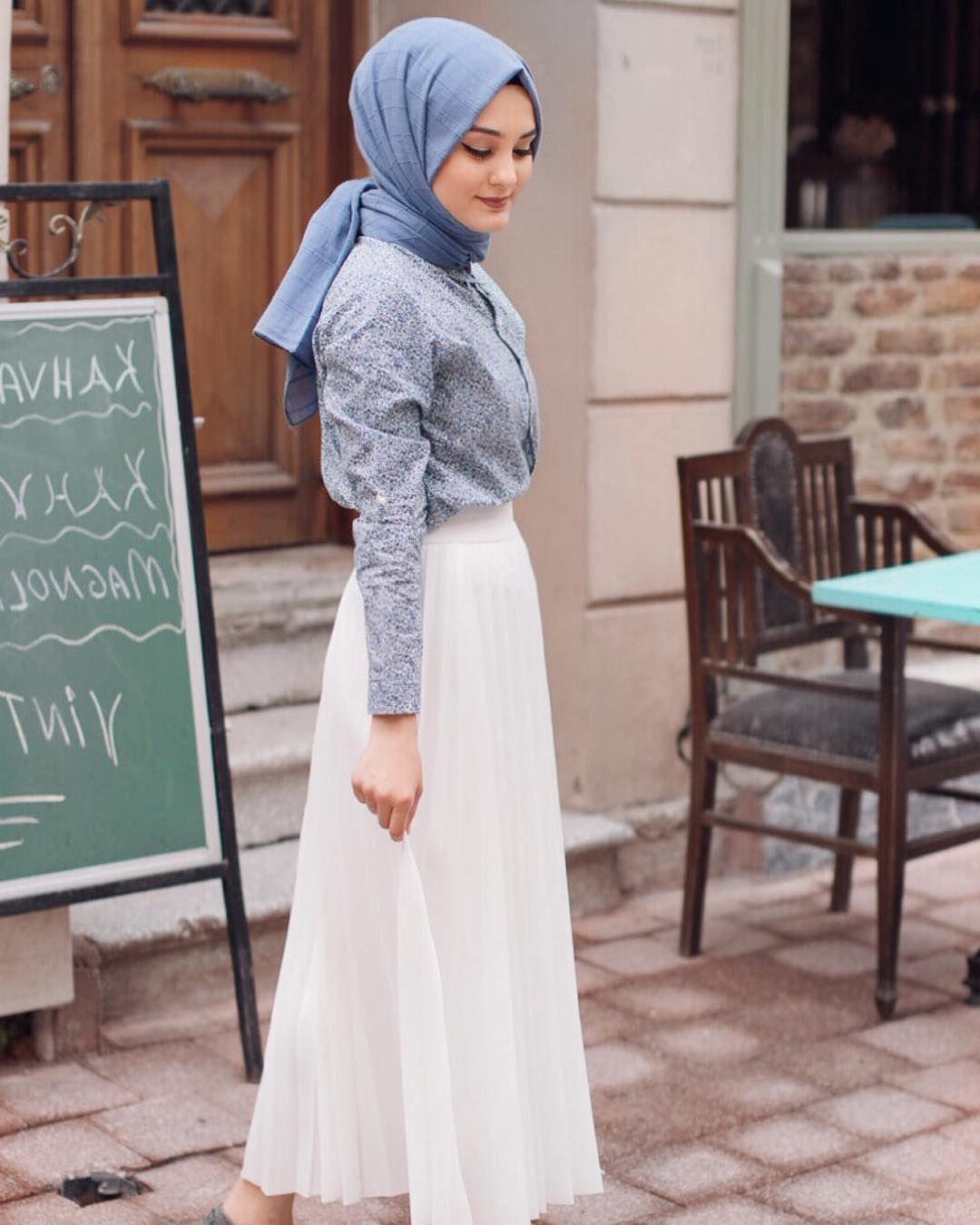 f33dda0320926 Aleyna ATALAR | Başörtüsü modası in 2019 | Minimal şıklık, Etekli ...