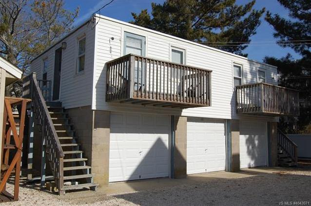 211 E Iroquois Ave, Beach Haven Borough, NJ 08008 Maine