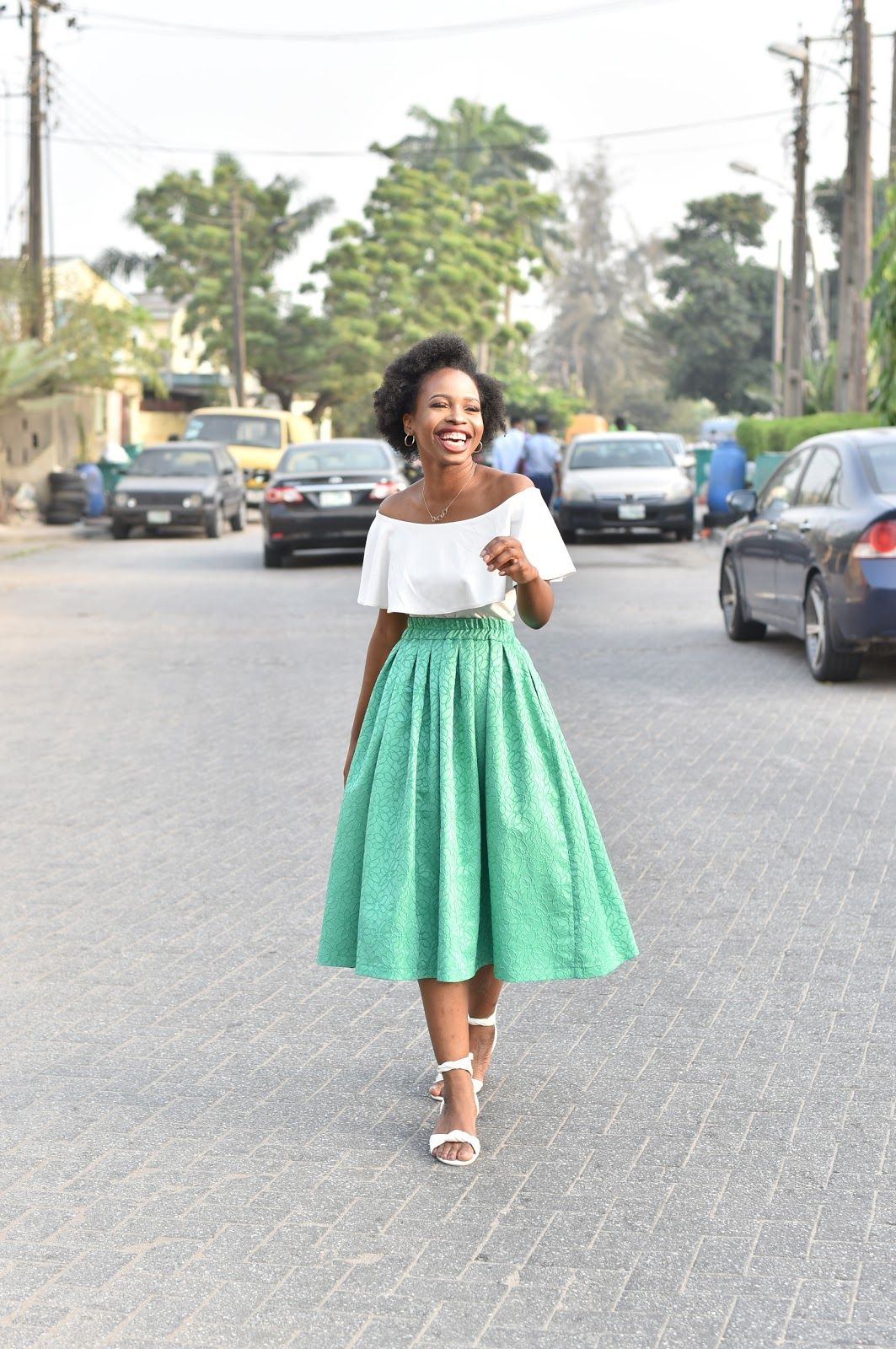 4f8eacfe97ab Chic Off the shoulder top and midi skirt outfit