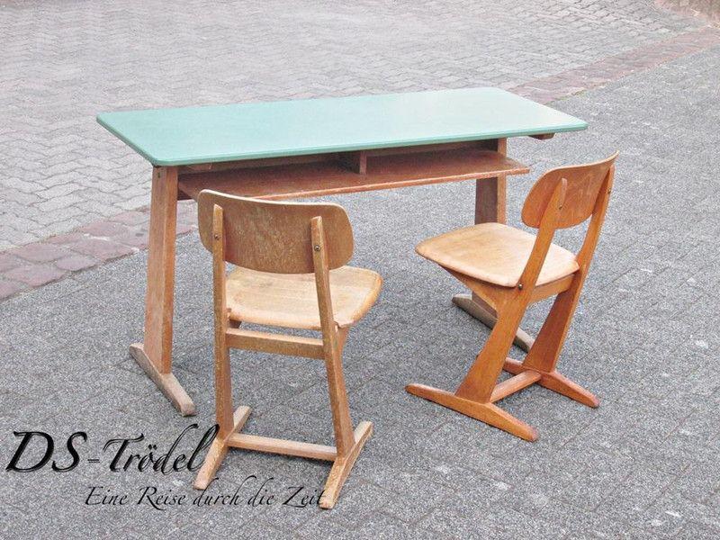 Schultisch mit stuhl  Geretteter Schultisch in sauber und schön | UpcyclingMay 2013 ...