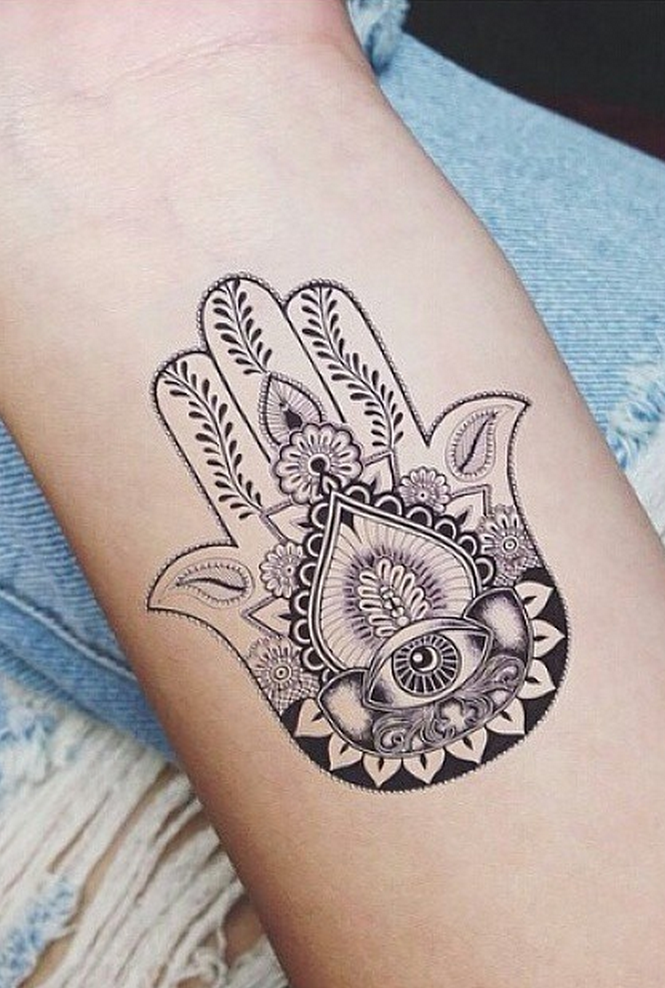 Hand Of Fatima Tattoo: Pin De Isabel Guimaraes Em Tattoo