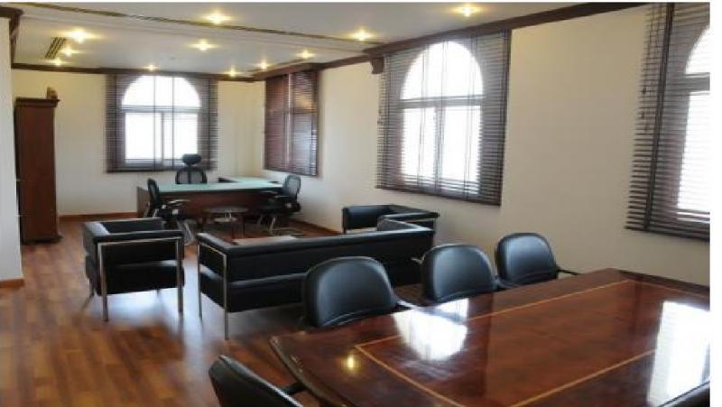 مكاتب مؤثثة ومجهزة بالكامل للإيجار الشهري السنوي بمساحات مختلفة Home Decor Room Home
