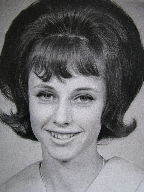 Hairstyles Of The Sixties 1960s Hairstyle Names 60s Hairstyles Hairstyle Names Short Hair Styles Easy Hair Styles