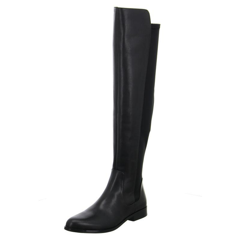 Der schlichte Overknee Stiefel aus schwarzem Glattleder von Clarks kann  auch im Casual Look kombiniert werden. Zu finden ist der Schuh im Online  Shop auf ... c42a8c8893