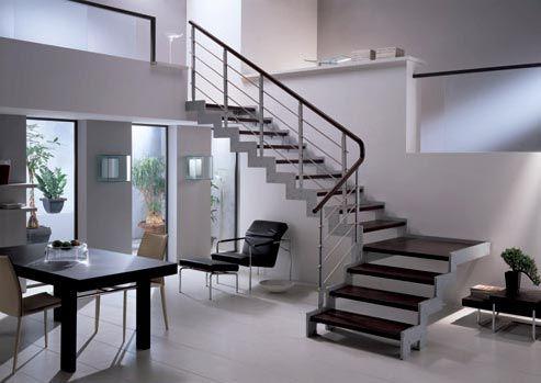 Fotos escaleras interiores de casas top escaleras de for Escaleras para casas de dos pisos