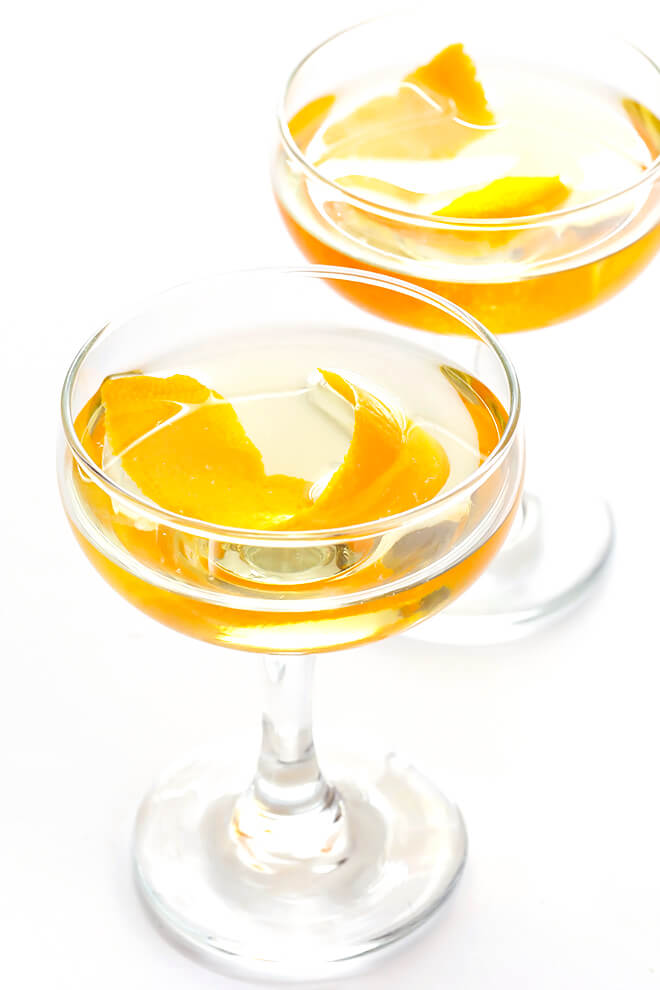 This Oaxacan Rusty Nail Cocktail Is Made With Mezcal Drambuie Orange Bitters Jalapeno And An Orange Peel Smo Rusty Nail Rusty Nail Cocktail Easy Cocktails