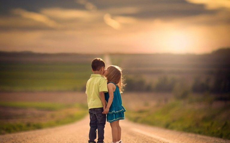 Love couple Wallpaper For Laptop : children Kiss cute Kids Love Wallpaper ENFANTS / cHILDREN ?(- ???-?)? Pinterest children ...