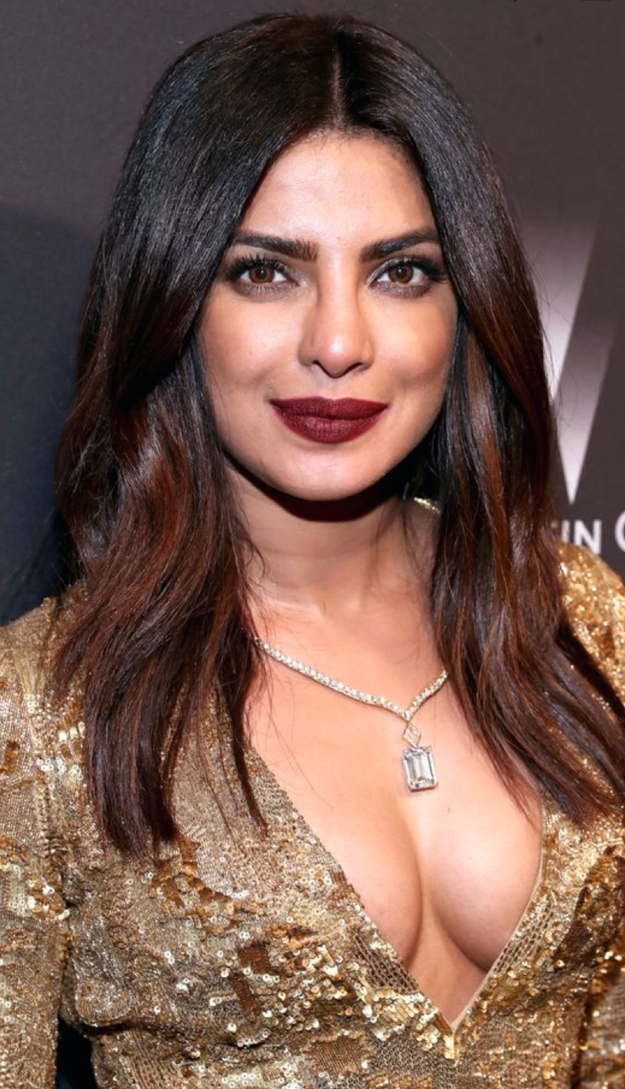 What are some wet bold pictures of Priyanka Chopra? - Quora