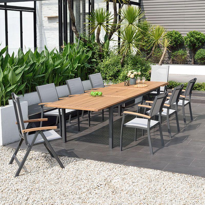 Gartenmobel Garten Sommer Draussen Holztisch Holz Tisch Sessel Essen In 2021 Terassenideen Essplatz Im Freien Aussenterasse