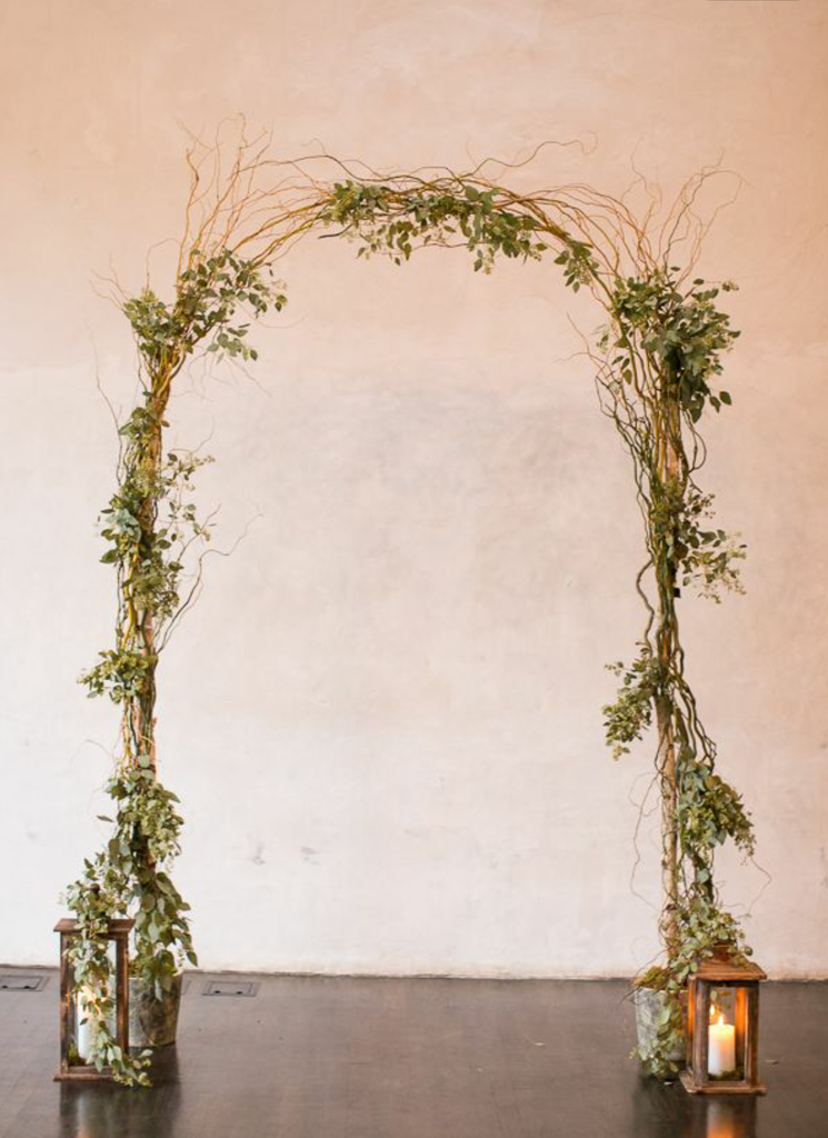 Curly Willow Wedding Arch einfache Einrichtung   – Wedding decorations
