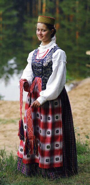 Costume Folklorique costume of dzukija province, lithuania   folkwear of the baltic