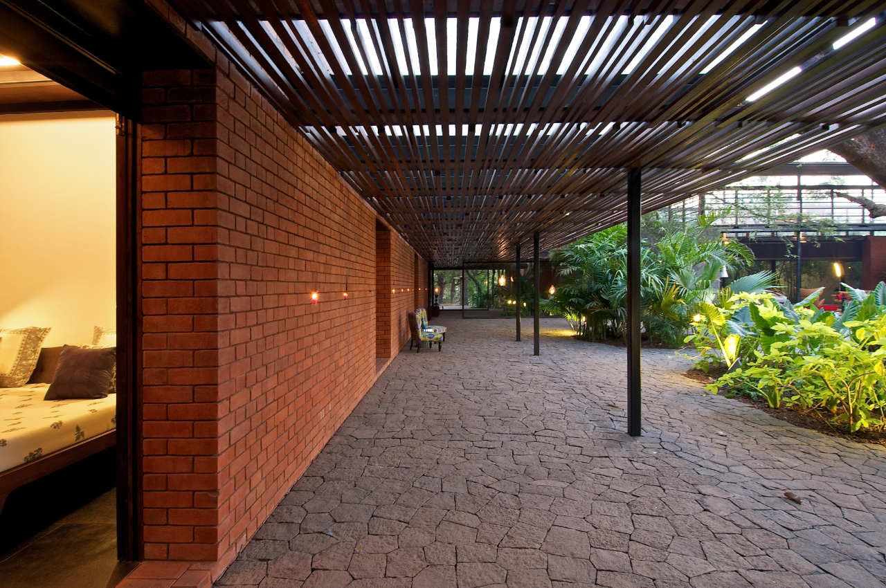 Gallery of The Brick Kiln House / SPASM Design Architects