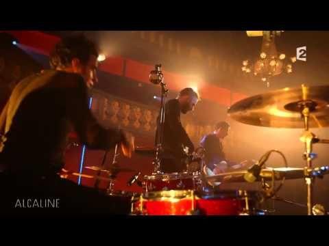 """Alcaline, le Mag : Etienne Daho et Lescop - """"Le grand sommeil"""" en live - YouTube"""