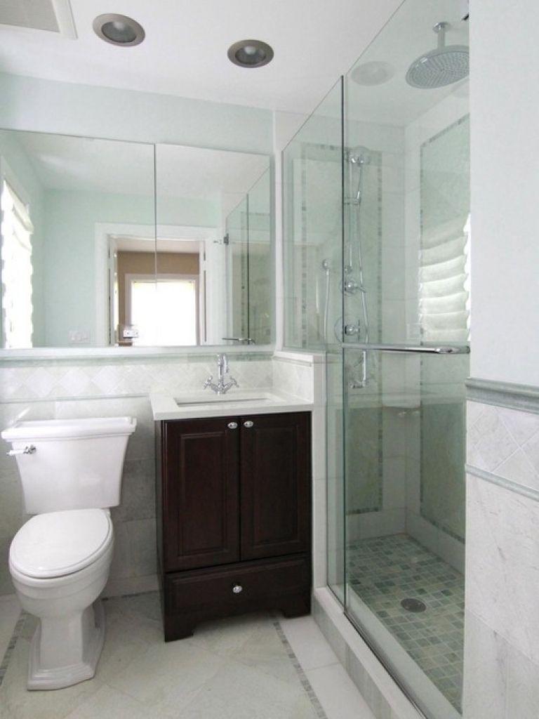Kleine Master Badezimmer Design Ideen #Badezimmer #Büromöbel #Couchtisch  #Deko Ideen #Gartenmöbel