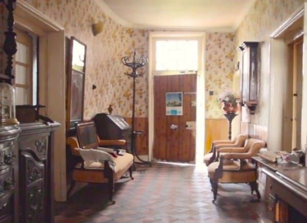 It Looks Like A Simple Old Farmhouse But Inside It S Stuck In The 1940s 1940s Home 1800s Home Farmhouse Interior