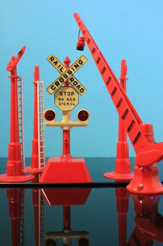 Marx Railroad Crossing Signal Gate Semaphore Vintage Train