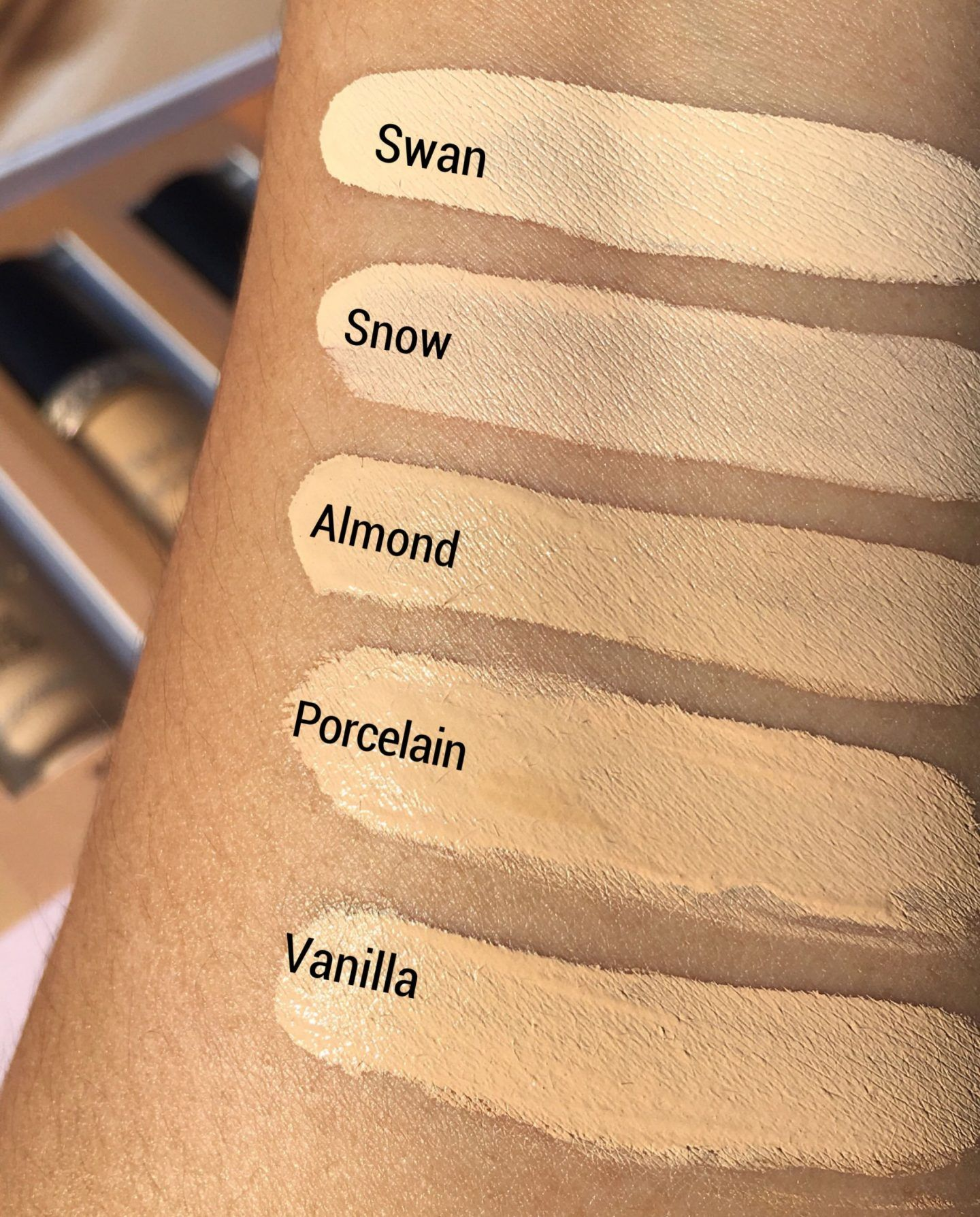 Too Faced Born This Way Super Coverage Multi Use Sculpting
