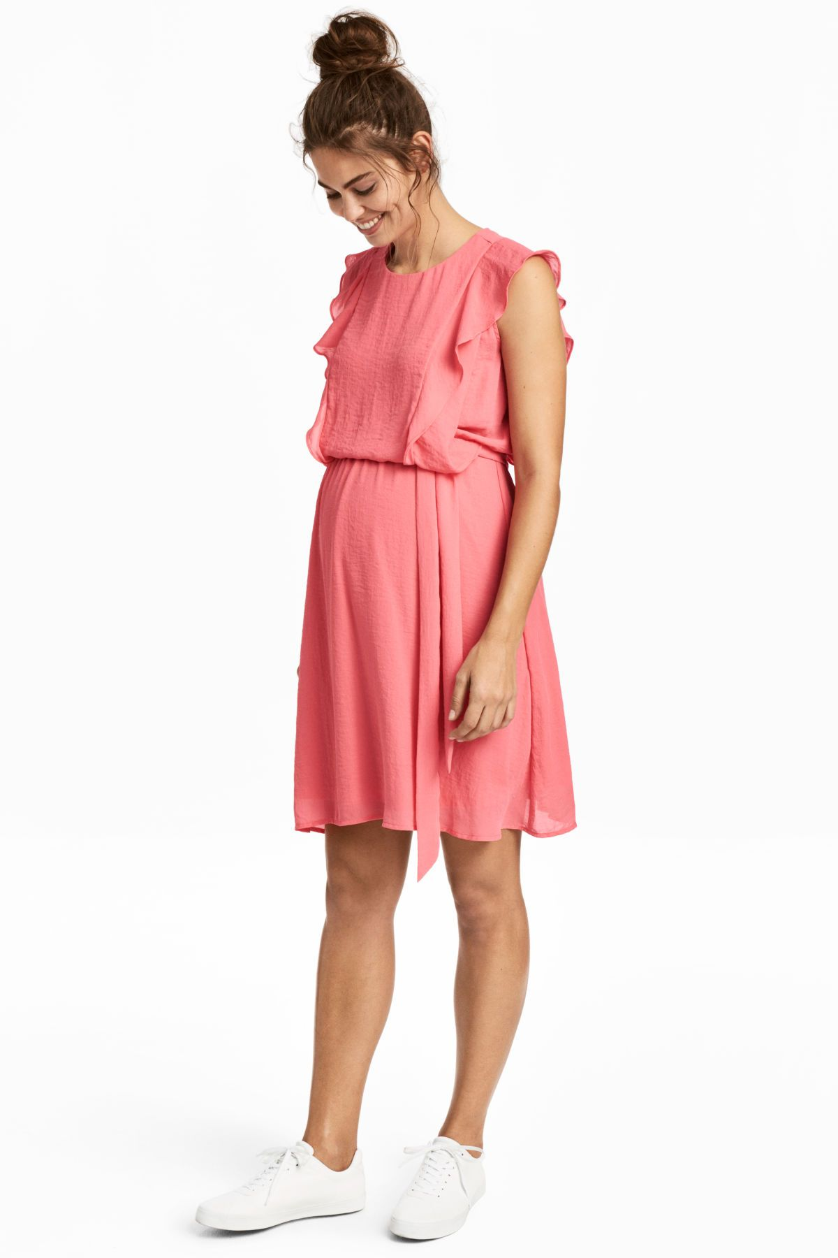 c99f8956cf8 Sleeveless nursing dress in chiffon. Opening at back with button at back