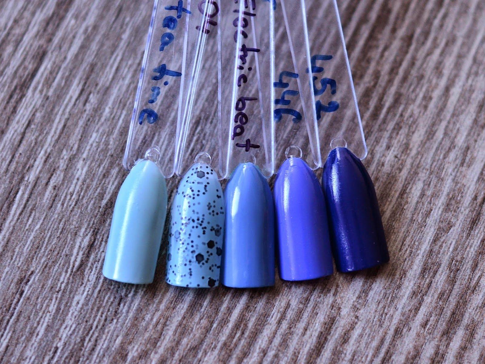Nail polish color display sticks