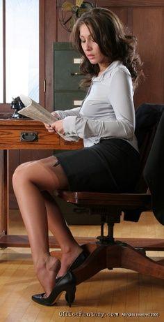 White Girl Karlie Fucked In Office