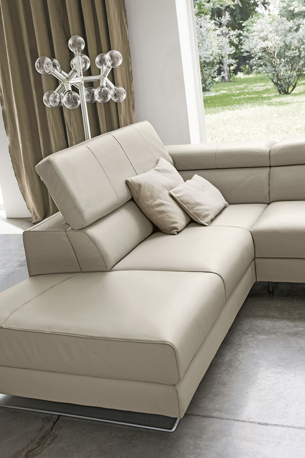 Divano in Pelle Alison - Emporio by Doimo Salotti. Leather sofa ...