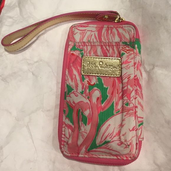 Lilly Pulitzer Pink Colony SmartPhone Wristlet Lilly Pulitzer Smartphone Wristlet in Pink Colony Prep Green Lilly Pulitzer Bags Clutches & Wristlets