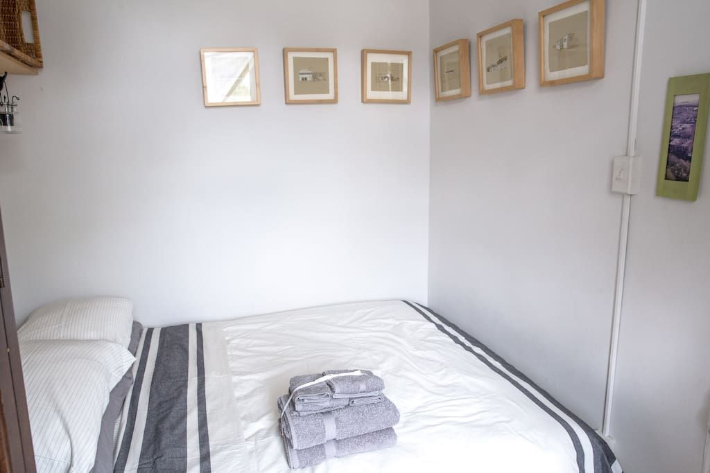 Prime Check Out This Awesome Listing On Airbnb Sunny Parkside Home Interior And Landscaping Mentranervesignezvosmurscom