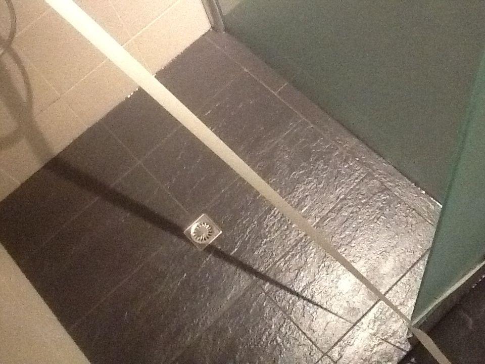 Do 14 maart | Badkamer lekkage verhelpen | Pinterest - Badkamer