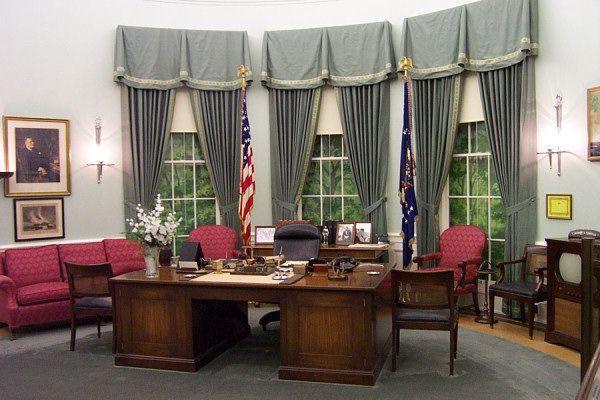 Inspiring oval office interior designs us presidents office