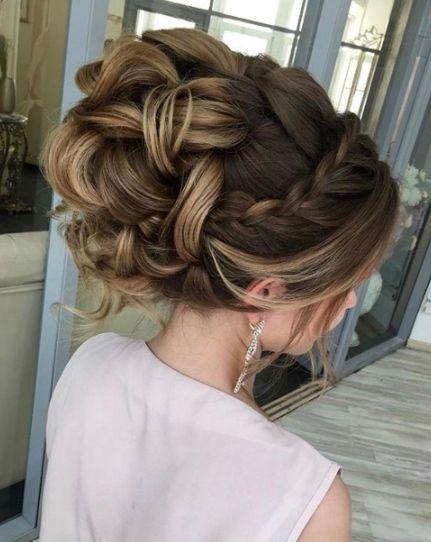 19 Peinados altos para novia