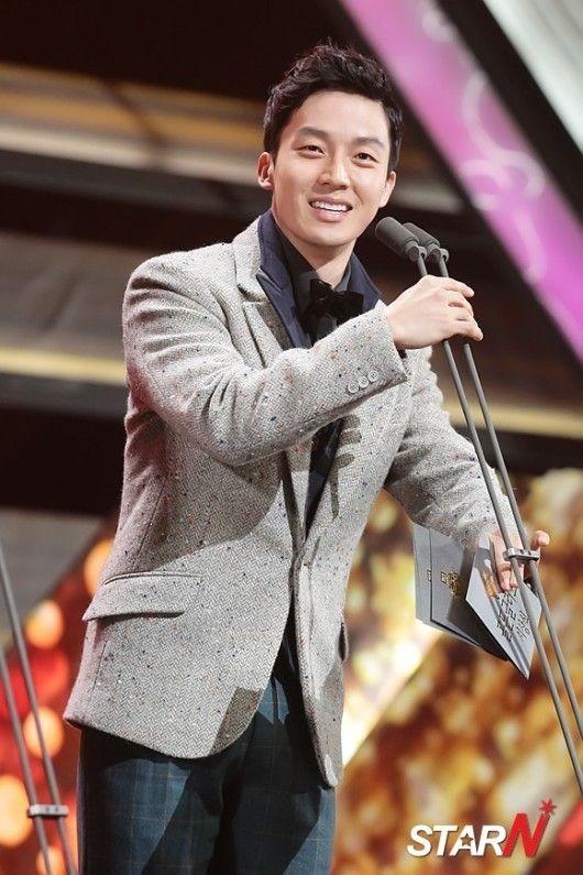 Heo gyeong hwan dating