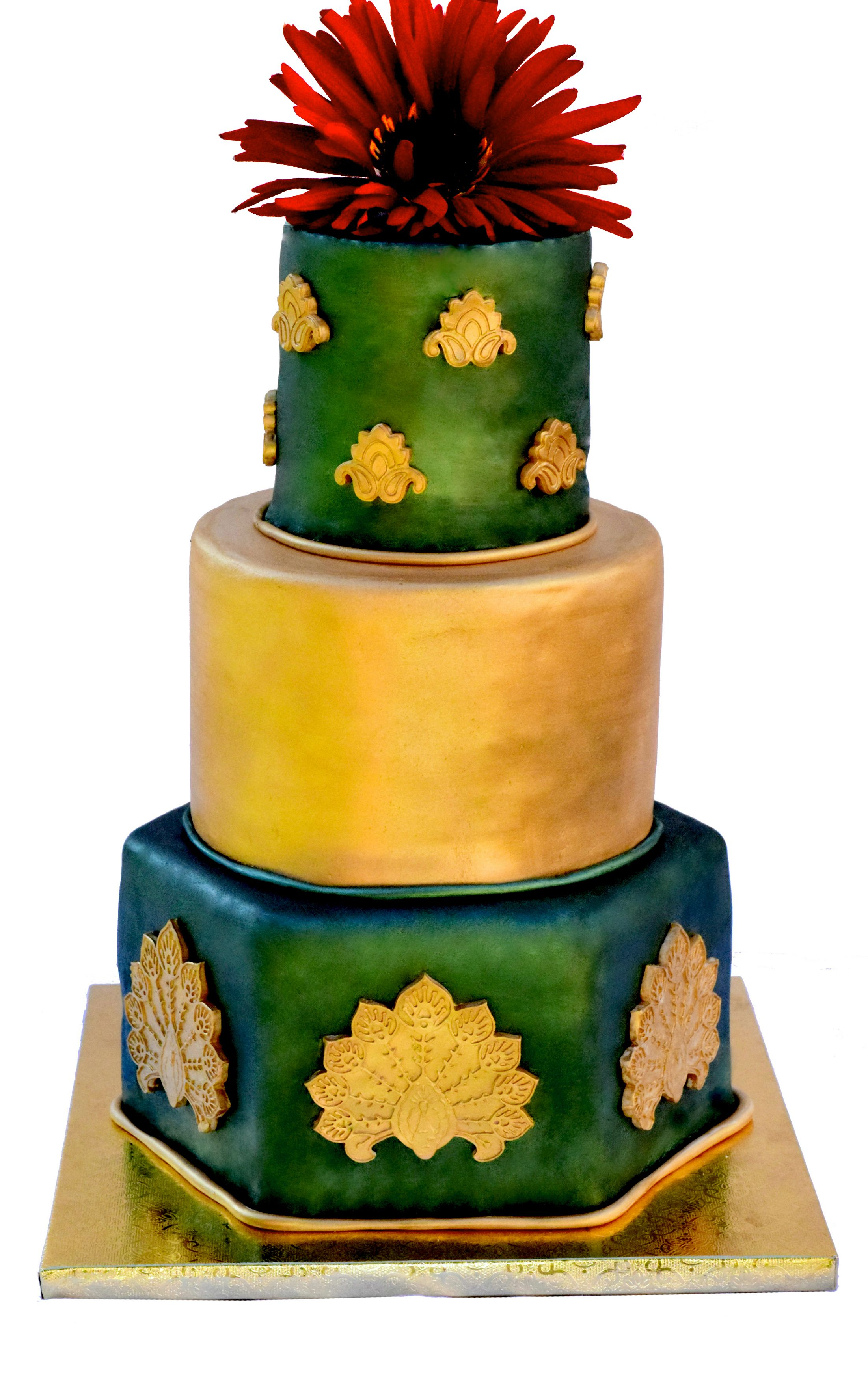 Emerald green and gold wedding cake made with sugar