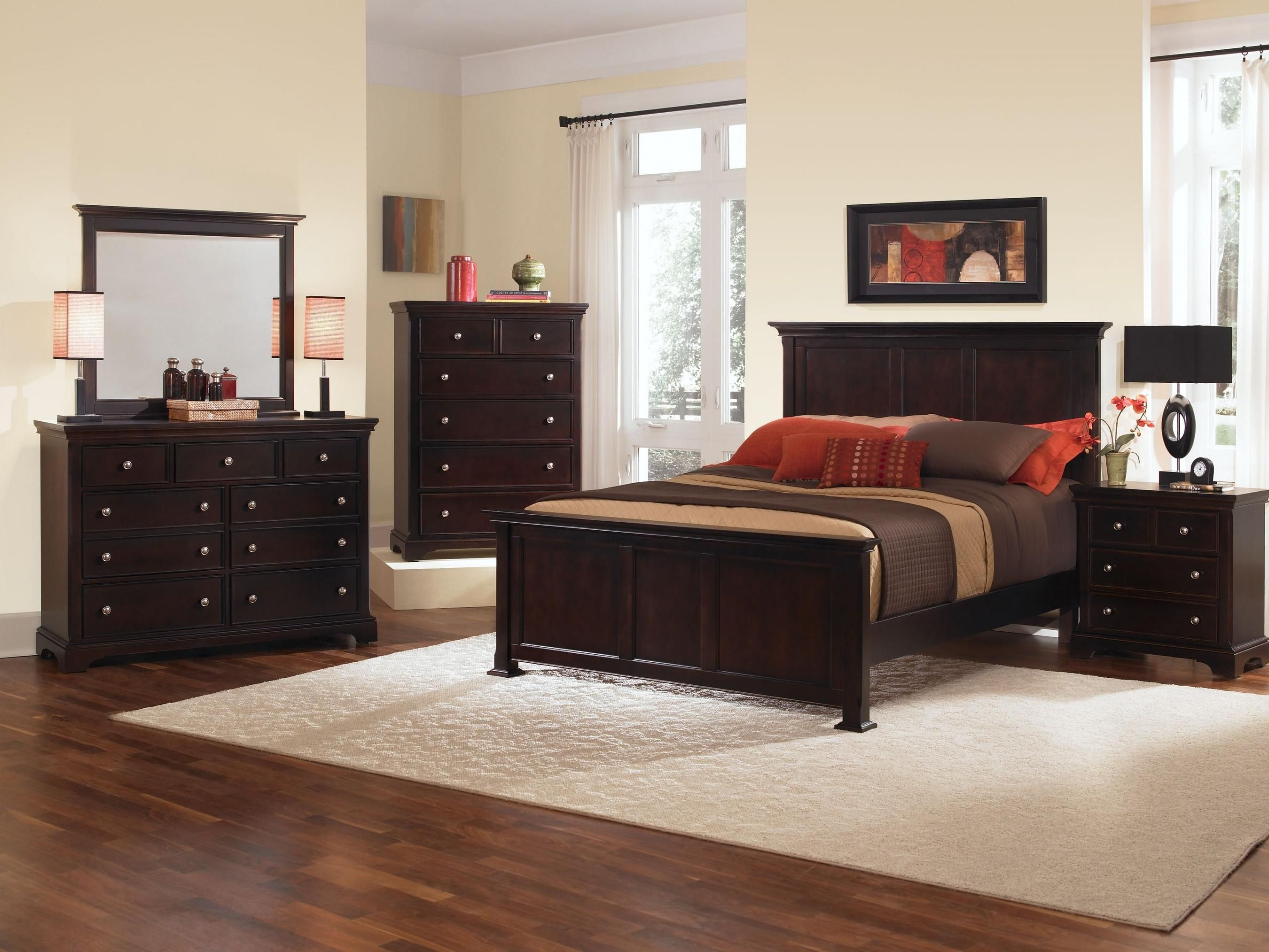 Best Forsyth California King Bedroom Group By Vaughan Bassett 400 x 300
