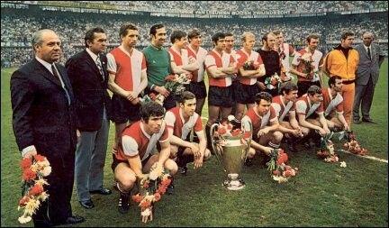 Feyenoord De Roterdam Holanda Ganador De La Champions League Temporada 1969 1970 Tras Vencer En La Final En El Giuseppe Meazza Voetbal Voetballen Rotterdam