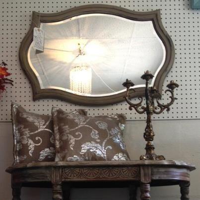 MBPC Vintage Furniture Paint in Cobblestone w/ Dark Brown Wax - Peindre Un Meuble En Gris
