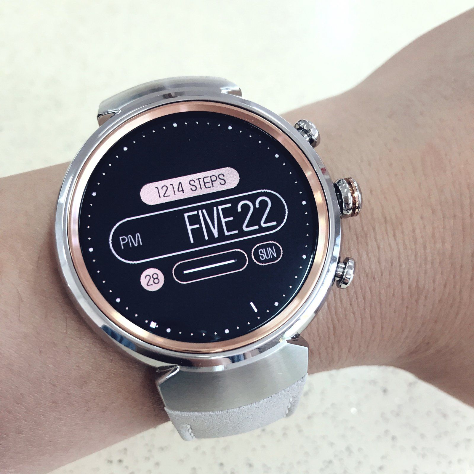 A watch face which uses English word as hour indicator