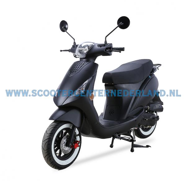 Deze moderne scooter beschikt over een 4-takt motor techniek welke ...