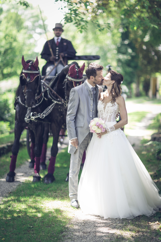 Beim Fotoshooting   Hochzeitskutsche, Hochzeit bilder