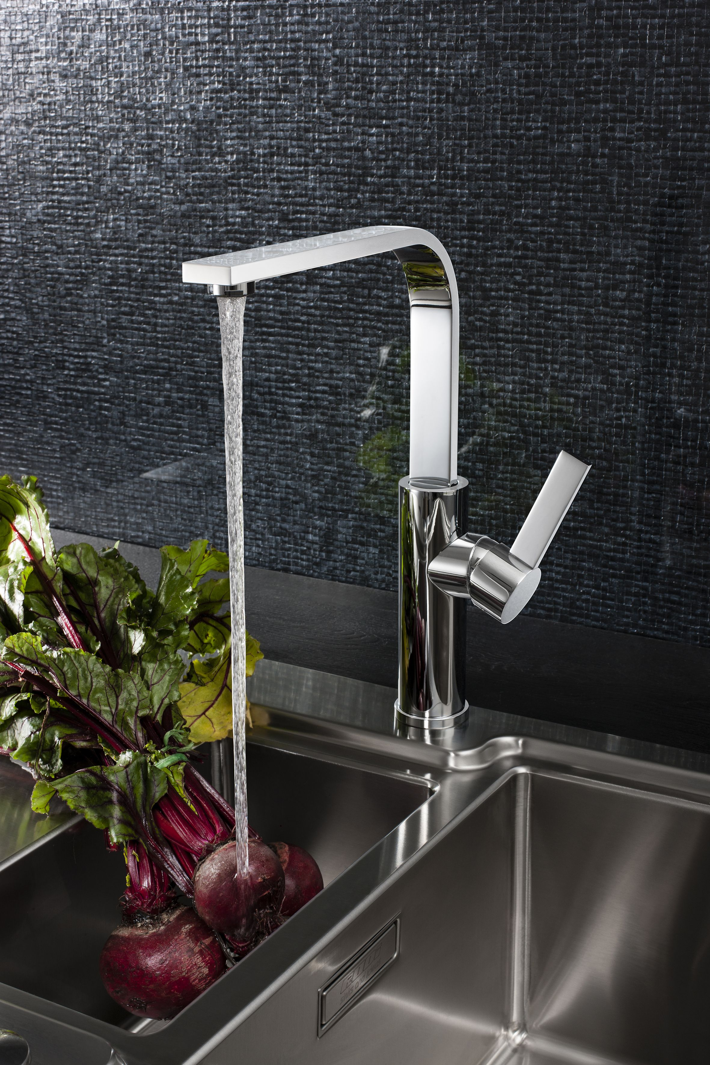 Pin na Kitchen Taps and Sinks