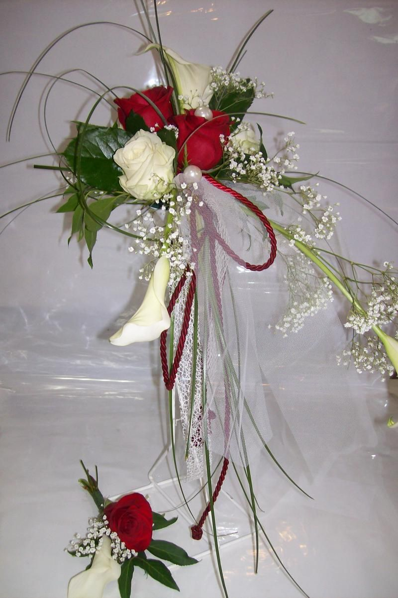 Bouquet Mari E Tombant Rouge Et Blanc Recherche Google Fleurs Mariage Pinterest Bouquet