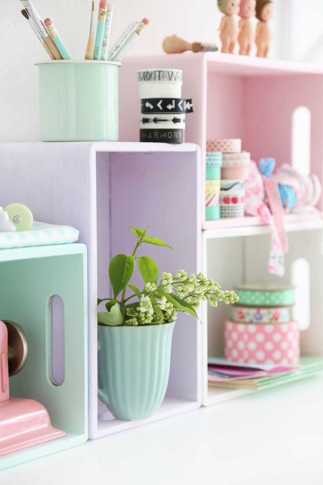 Pastellige Küchenregale schnell selber machen