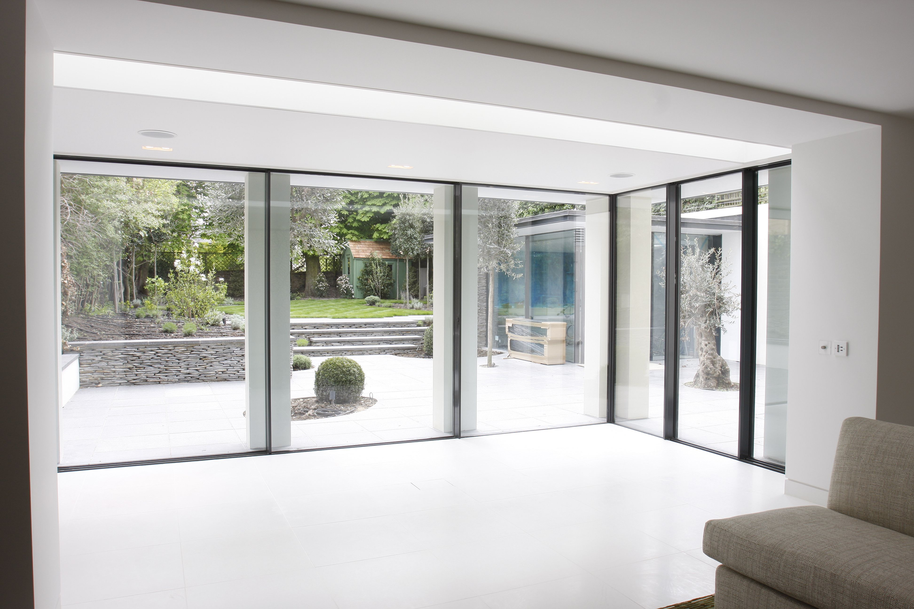 Exterior residential windows - Minimal Windows Installed By Iq Glass At This Residential Project
