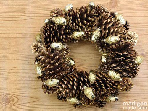 Como hacer una corona de Navidad de piñas