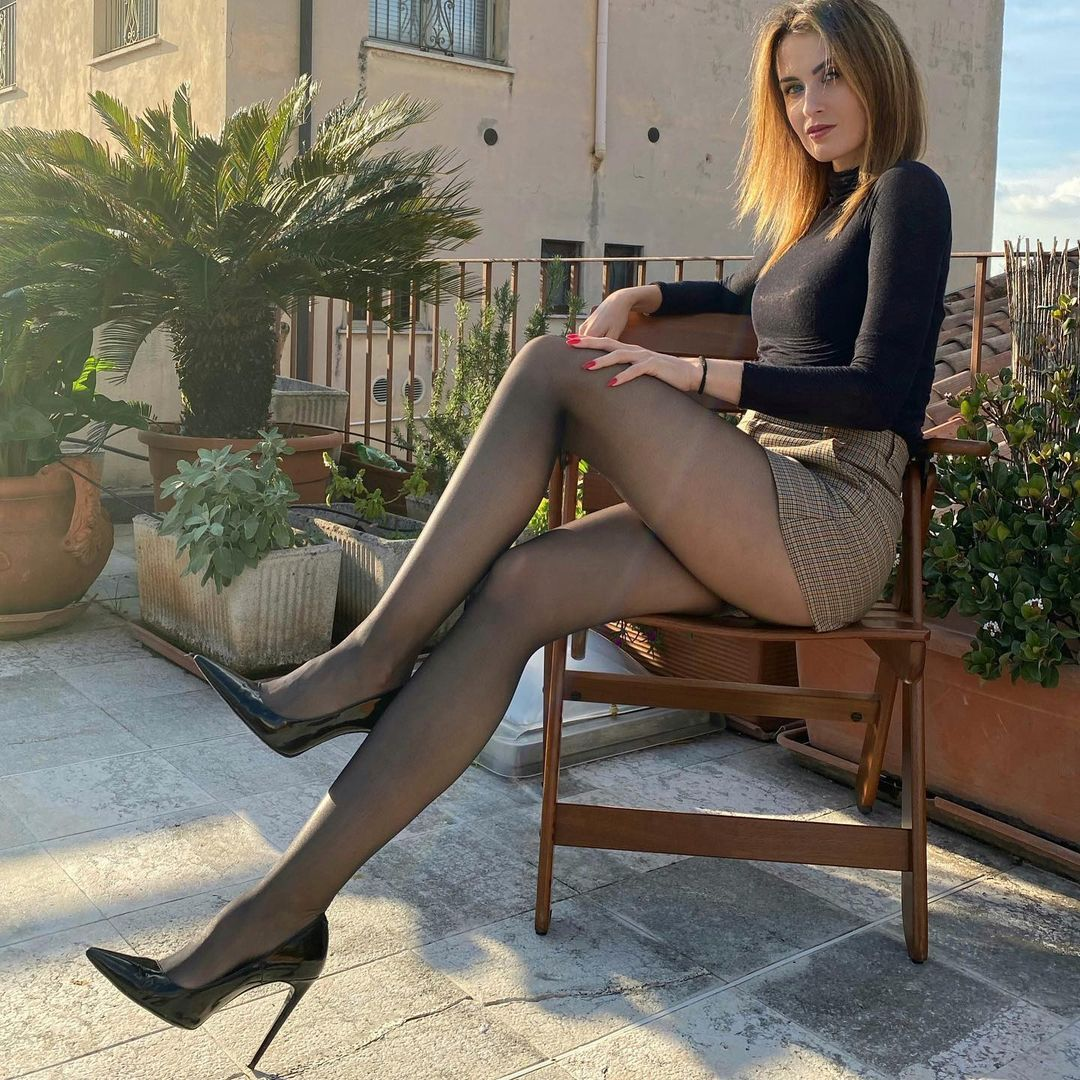 Sexy legs and pantyhose