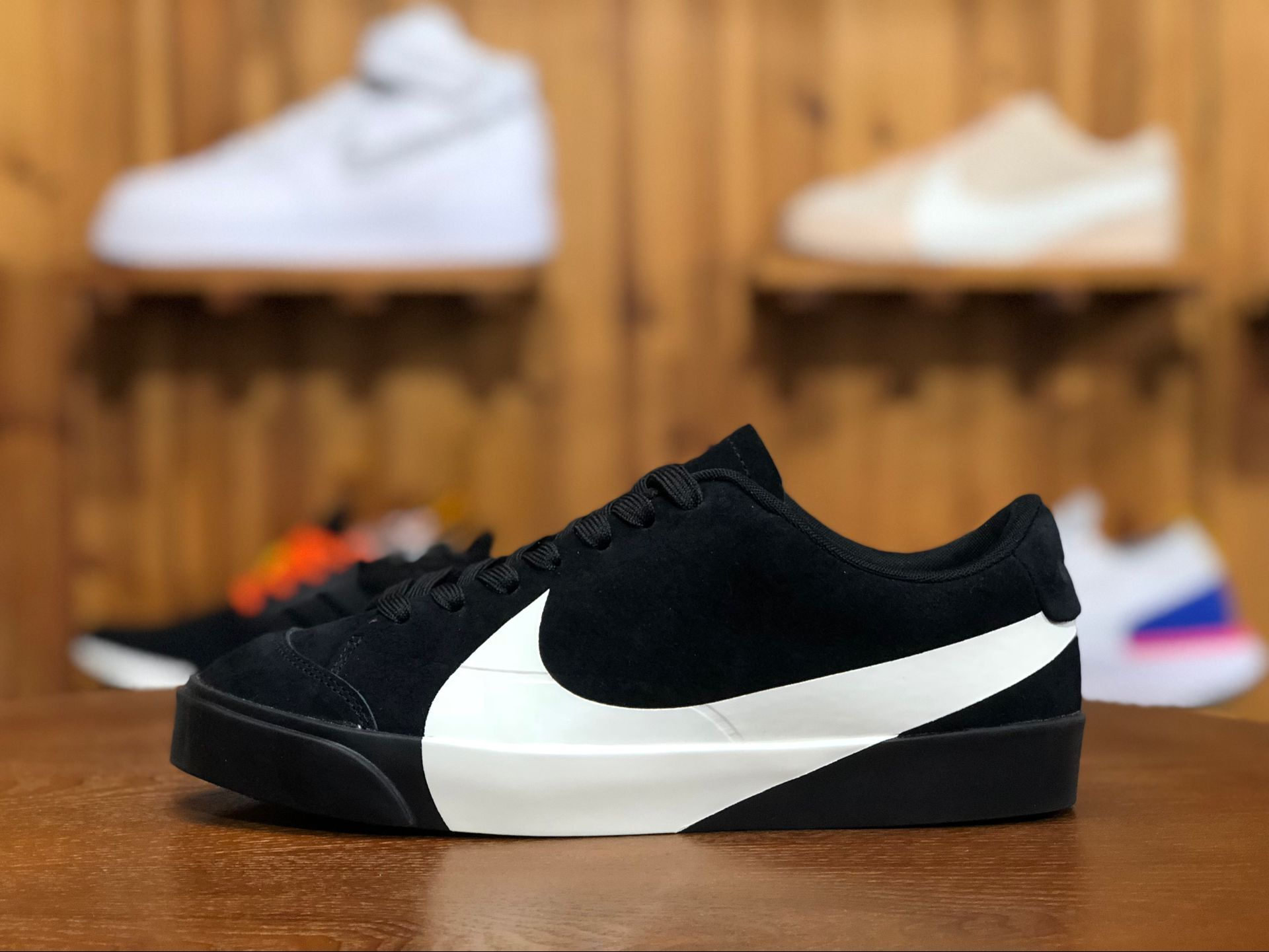 This Nike Blazer City Low Xs Black White Features An Abnormal Adornment A Giant Swoosh On The Midfoot That R Black Nike Shoes White Shoes Men White Nike Shoes