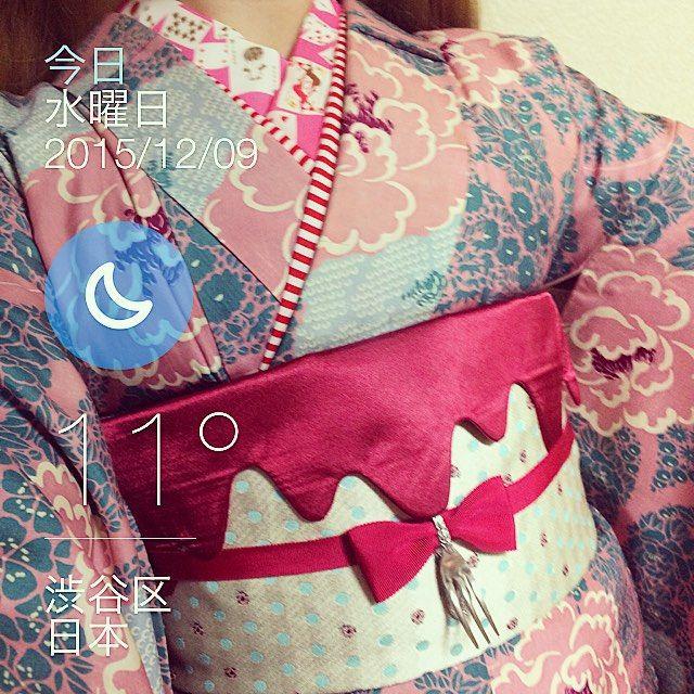 #今日の着物 ピンクのお花 #着物 に水玉てんとう虫半幅帯 #馬場装飾 トランプと馬半襟に #ハイカロリイオトメ メルト帯飾り #口枷屋モイラ フォークリボンチョーカー #KIMONOヒナコーデ