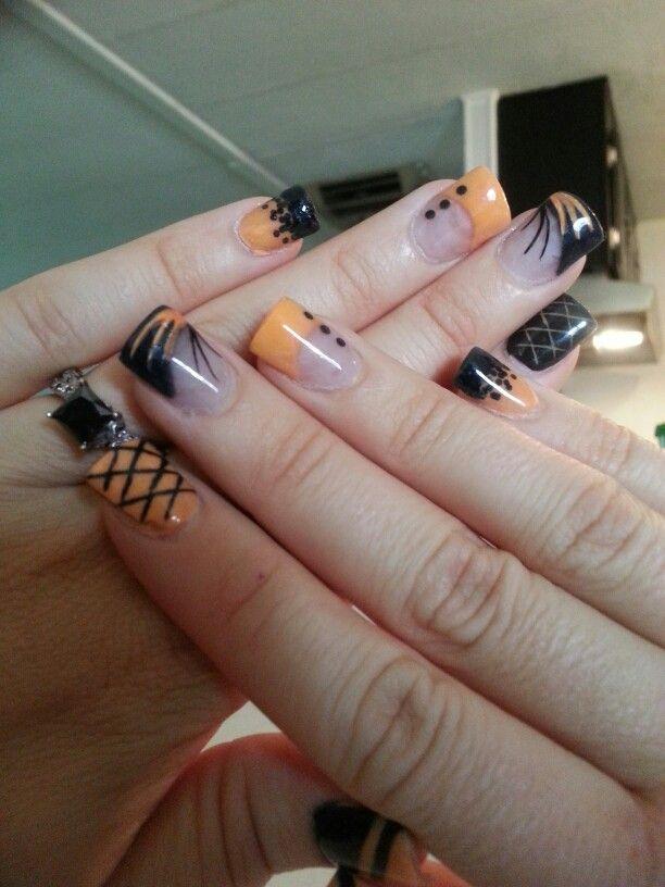 Black and Orange Nails Halloween | Holiday acrylic nails ...