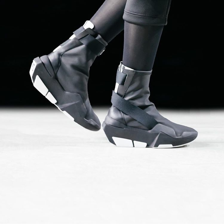 watch 1cd2a 79b72 Y-3 Mira Boot. Y-3. FW 17-18. Paris.  adidas  Y3  YohjiYamamoto  PFW