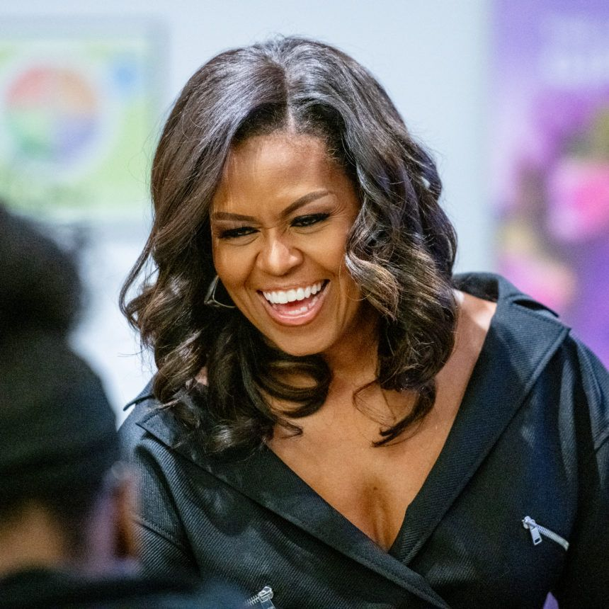 Michelle Obama Writes Powerful Letter To Younger Self Every Black Woman Should Read Michelle Obama Mom Michele Obama Michelle Obama